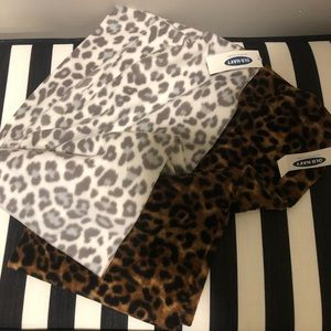 🧣NWT! Leopard print infinity scarves! 🧣